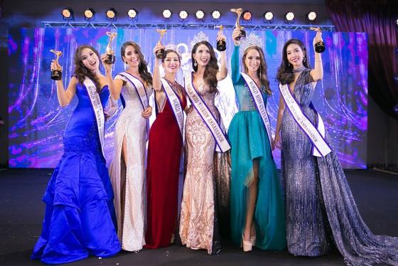 Phan Thị Mơ đăng quang Hoa hậu Đại sứ Du lịch Thế giới 2018 ảnh 4