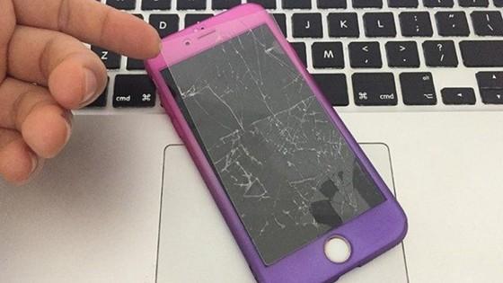 Không an toàn với miếng dán màn hình điện thoại giá rẻ  ảnh 1
