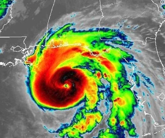 Bão Michael mạnh lên cấp 4, chuẩn bị đổ bộ vào Florida ảnh 3