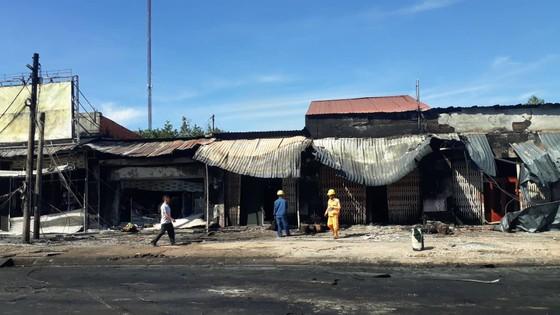 Xe bồn chở xăng gây cháy, 6 người thiệt mạng ảnh 11