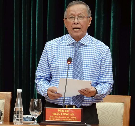 Chủ tịch Quốc hội Nguyễn Thị Kim Ngân gặp gỡ đại biểu văn nghệ sĩ khu vực phía Nam ảnh 5