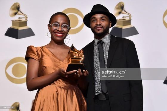 """""""Golden Hour"""" của Kacey Musgraves thắng giải Album nhạc đồng quê và Album của năm tại Grammy 2019 ảnh 12"""