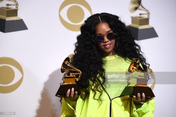 """""""Golden Hour"""" của Kacey Musgraves thắng giải Album nhạc đồng quê và Album của năm tại Grammy 2019 ảnh 8"""