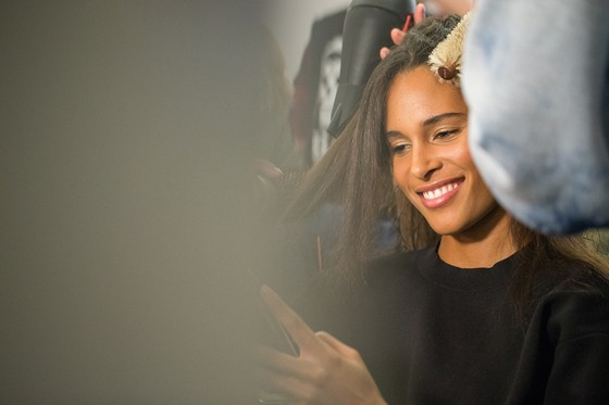 Hé lộ dàn siêu mẫu đình đám trong show Công Trí tại New York Fashion Week ảnh 16
