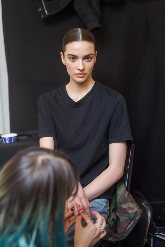 Hé lộ dàn siêu mẫu đình đám trong show Công Trí tại New York Fashion Week ảnh 2