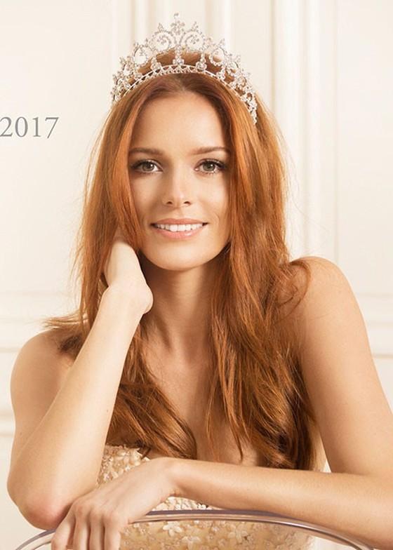 Mỹ nhân Ấn Độ - Meenakshi Chaudhary là Hoa hậu của các hoa hậu ảnh 6
