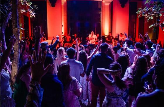 Cận cảnh đám cưới xa xỉ của tỷ phú Ấn Độ tại khách sạn 5 sao JW Marriott Phu Quoc Emerald Bay ảnh 6