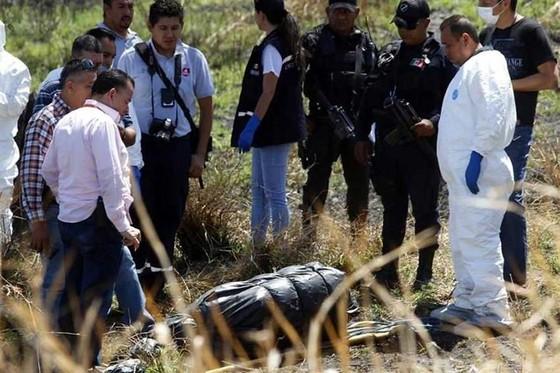 Mexico tìm thấy 19 thi thể dưới kênh thoát nước ảnh 1