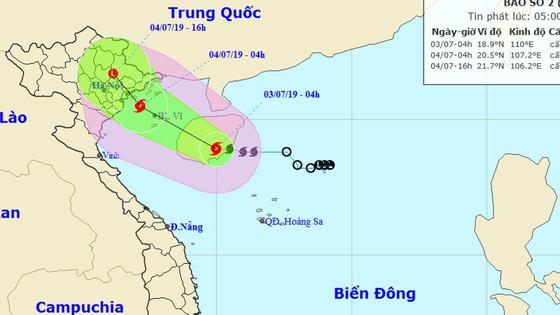 Bão số 2 giật cấp 11, cách đất liền các tỉnh Quảng Ninh - Hải Phòng khoảng 410km ảnh 1