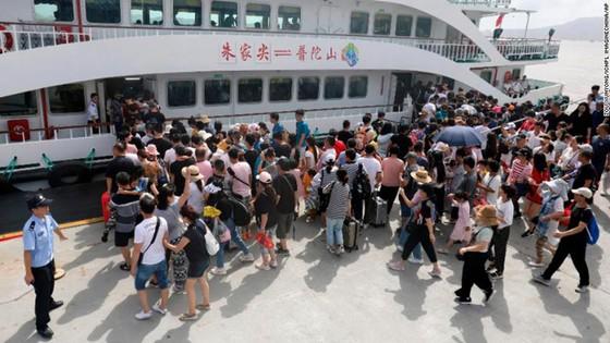 Bão Lekima đổ vào Đông Nam Trung Quốc, hàng trăm nghìn người phải sơ tán ảnh 1