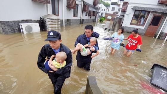 Bão Lekima tiếp tục hoành hành tại Trung Quốc, số người chết tăng ảnh 7
