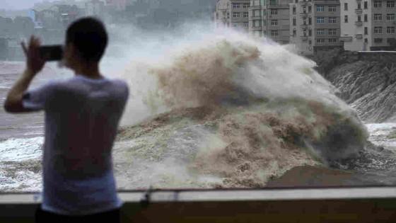 Bão Lekima tiếp tục hoành hành tại Trung Quốc, số người chết tăng ảnh 1