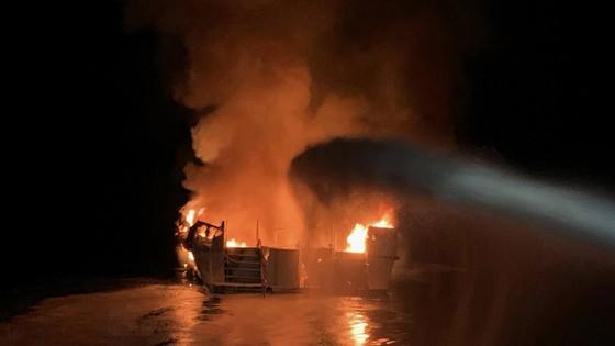 Cháy tàu lặn ở Mỹ, 25 người thiệt mạng, 9 người mất tích   ảnh 1