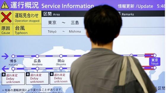 Siêu bão Faxai đổ bộ Nhật Bản, giao thông nhiều nơi tê liệt ảnh 1