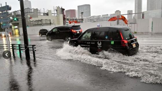 Siêu bão Faxai đổ bộ Nhật Bản, giao thông nhiều nơi tê liệt ảnh 9