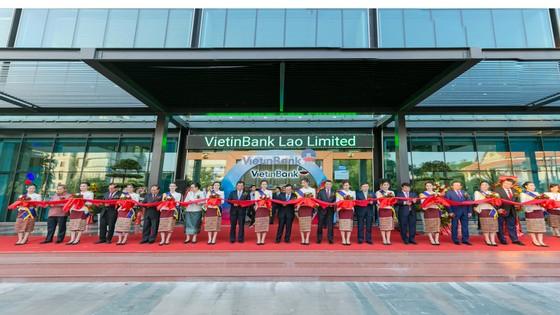 Phó Thủ tướng Lào: Tôi tin tưởng VietinBank sẽ phát triển thành ngân hàng thương mại chủ lực tại Lào ảnh 2