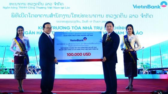 Phó Thủ tướng Lào: Tôi tin tưởng VietinBank sẽ phát triển thành ngân hàng thương mại chủ lực tại Lào ảnh 5