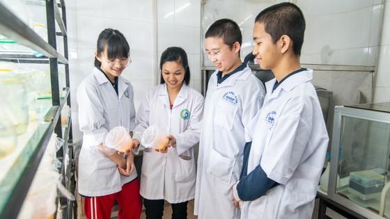 Lần đầu tham dự cuộc thi nghiên cứu khoa học quốc tế: 2 nhóm học sinh Việt xuất sắc mang về giải Bạc và giải Đồng  ảnh 4