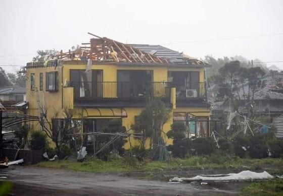 Nhật Bản tan hoang sau siêu bão Hagibis ảnh 23