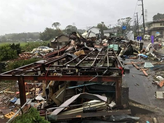 Nhật Bản tan hoang sau siêu bão Hagibis ảnh 24