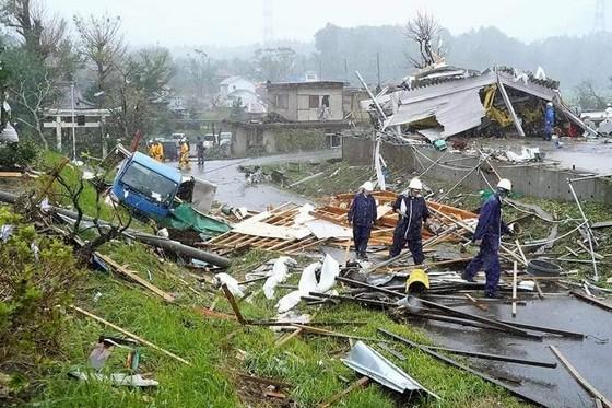 Nhật Bản tan hoang sau siêu bão Hagibis ảnh 20