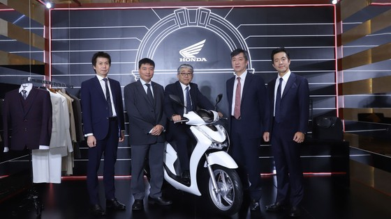 Honda Việt Nam ra mắt SH 125i/150i hoàn toàn mới có kết nối blutooth ảnh 1