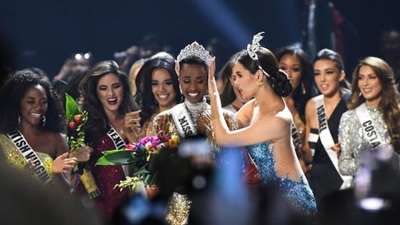 Người đẹp Nam Phi đăng quang Miss Universe 2019, đại diện Việt Nam - Hoàng Thùy dừng chân Top 20 ảnh 11