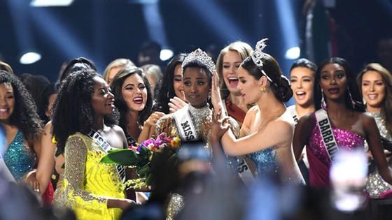 Người đẹp Nam Phi đăng quang Miss Universe 2019, đại diện Việt Nam - Hoàng Thùy dừng chân Top 20 ảnh 10