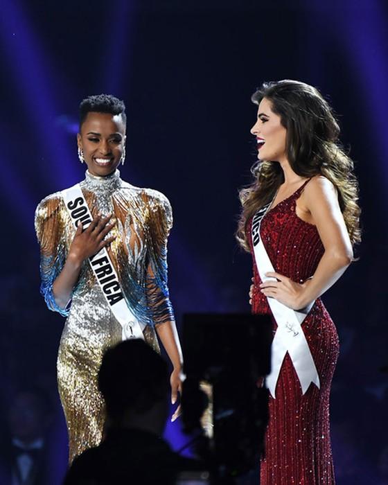 Người đẹp Nam Phi đăng quang Miss Universe 2019, đại diện Việt Nam - Hoàng Thùy dừng chân Top 20 ảnh 2