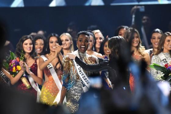 Người đẹp Nam Phi đăng quang Miss Universe 2019, đại diện Việt Nam - Hoàng Thùy dừng chân Top 20 ảnh 6