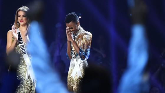 Người đẹp Nam Phi đăng quang Miss Universe 2019, đại diện Việt Nam - Hoàng Thùy dừng chân Top 20 ảnh 4