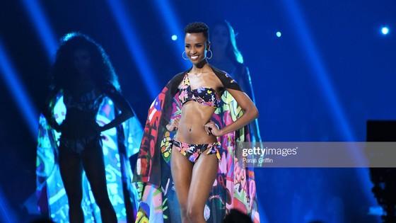 Người đẹp Nam Phi đăng quang Miss Universe 2019, đại diện Việt Nam - Hoàng Thùy dừng chân Top 20 ảnh 15