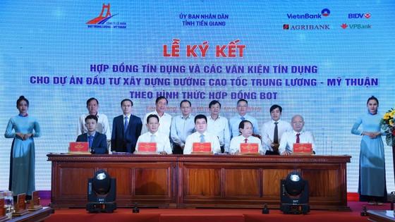 Ngành ngân hàng thu xếp gần 7.000 tỷ đồng vốn cho cao tốc Trung Lương - Mỹ Thuận ảnh 1