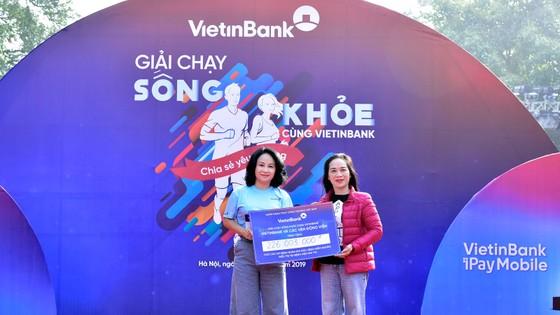 """Giải chạy """"Sống khỏe cùng VietinBank"""": Lan tỏa và sẻ chia yêu thương ảnh 1"""