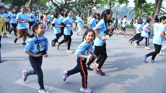 """Giải chạy """"Sống khỏe cùng VietinBank"""": Lan tỏa và sẻ chia yêu thương ảnh 2"""