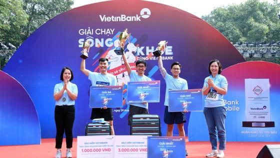 """Giải chạy """"Sống khỏe cùng VietinBank"""": Lan tỏa và sẻ chia yêu thương ảnh 3"""