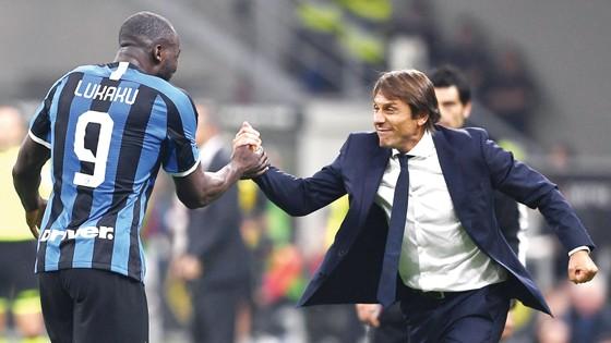 HLV Antonio Conte đang giúp Inter Milan thăng hoa