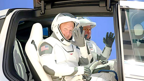 NASA, SpaceX phóng thành công tàu Crew Dragon: Kỷ nguyên mới trong hàng không vũ trụ Mỹ ảnh 2