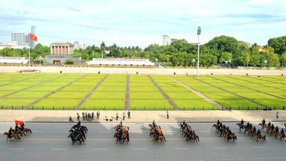 Đoàn kỵ binh trên thao trường ảnh 7