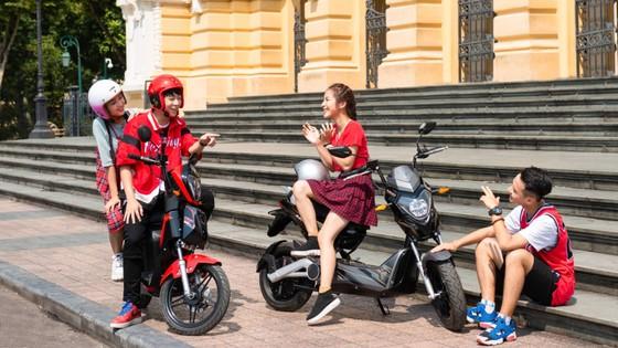 """Vinfast tặng 50.000 pin xe máy điện cho học sinh – chung tay """"Kiến tạo tương lai xanh"""" ảnh 2"""