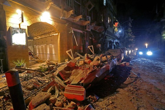 Nổ ở Beirut, hàng ngàn người thương vong ảnh 12