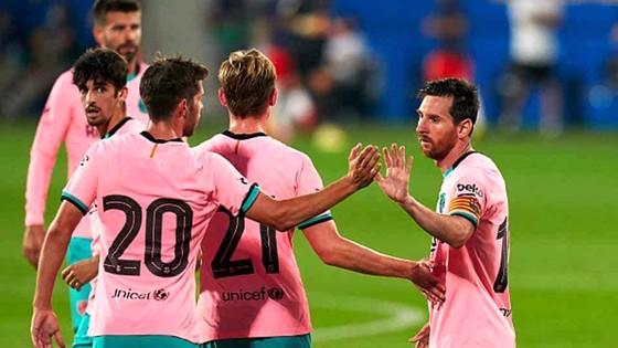Messi ghi bàn, Barca đỡ lo
