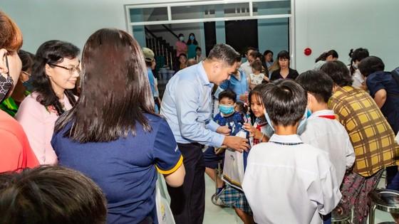 Saigontourist Group mang Tết trung thu đến với học sinh nghèo hiếu học các huyện ngoại thành ảnh 1