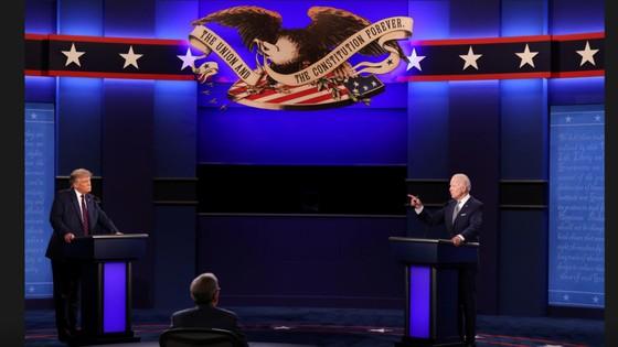 Trump - Biden trong cuộc tranh luận trực tiếp đầu tiên: 'Kẻ tám lạng, người nửa cân' ảnh 1
