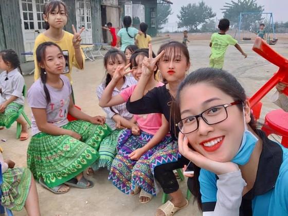 Bộ ảnh của hai thí sinh Hoa hậu Việt Nam là tiếp viên hàng không  ảnh 9