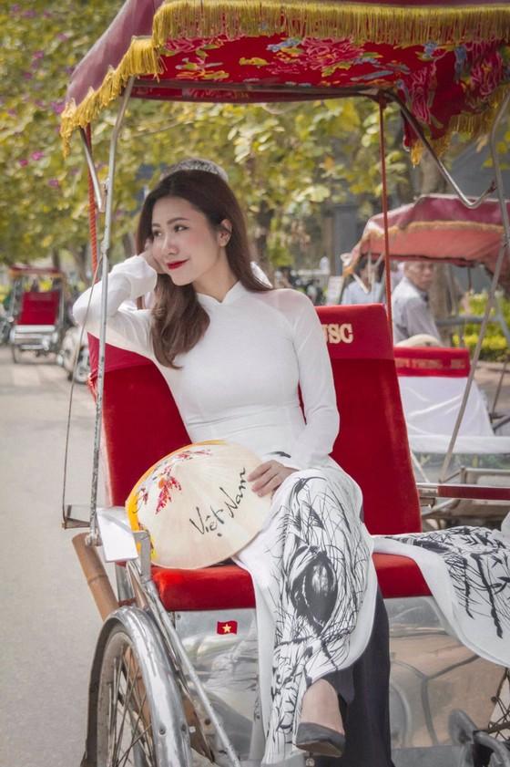 Bộ ảnh của hai thí sinh Hoa hậu Việt Nam là tiếp viên hàng không  ảnh 5