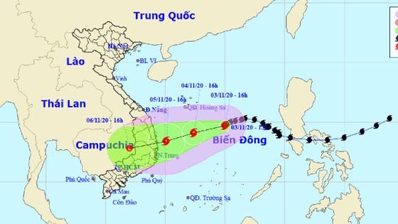 16 giờ ngày 5-11, bão số 10 mạnh cấp 8, giật cấp 10 ngay trên vùng biển từ Quảng Ngãi đến Khánh Hòa ảnh 1