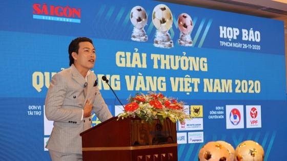 Nghệ sĩ và tình yêu với Quả bóng vàng Việt Nam ảnh 4