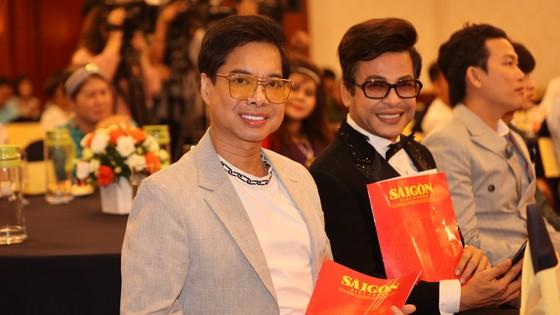 Nghệ sĩ và tình yêu với Quả bóng vàng Việt Nam ảnh 1