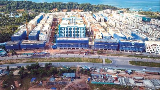 Hòa Bình cất nóc Dự án Phố thương mại - Gateway ảnh 1